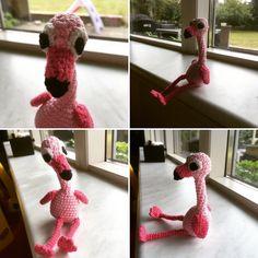 Felix flamingo  Hæklet efter mønstret i nye hæklede dyr:) Vinger er fra Stinna stork