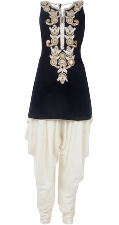 Black and white embroidered kurta set by PAYAL SINGHAL. Shop at http://www.perniaspopupshop.com/whats-new/payal-singhal-black-and-white-embroidered-kurta-set-pylc0813per11.html