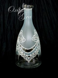 These wine bottle crafts will be the cutest methods to repurpose schooner vessels, majority of these relatively easy DIYs make. Liquor Bottle Crafts, Diy Bottle, Bottle Art, Vodka Bottle, Painted Wine Bottles, Painted Wine Glasses, Glass Bottles, Lace Painting, Bottle Painting