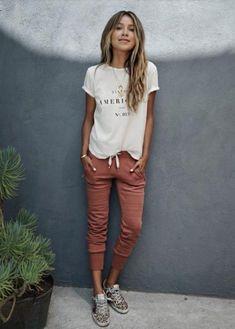 nice С чем носить джоггеры женские? — Как вписать модные брюки в гардероб