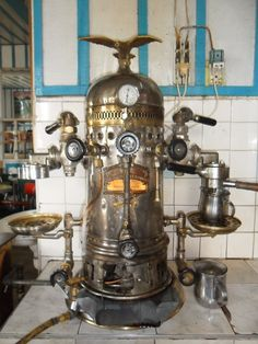 Steampunk espresso is just like a dream. Watching the steam flowing, manually adjusting the flow and concentration can get you the ultimate personalized cup of coffee! Coffee Maker Machine, Espresso Coffee Machine, Coffee Cafe, Coffee Drinks, Coffee Shop, Coffee Machines, Retro Cafe, Espresso Bar, Best Drip Coffee Maker