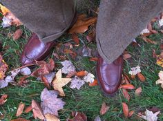 • BB 3 roll 2 camelhair sack Sports jacket with braided leather buttons with 2 buttons on each cuff. Old School! • Orvis Goat Suede 6 button two pocket vest ª BB OCBD • O'Connell's Herringbone Shetland trousers, Brown and cream with occasional flecks of other colors • David Eden OTC Brown socks AE Bradley Split toe Norwegians in grain leather • J. Press Tyrolean hat with a flamboyant Gamsbart from Orvis.