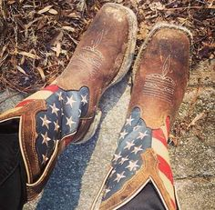 Can you say USA USA USA? Check out these amazing United States Flag cowboy boots. A badass brown leather boot with the stars and stripes proudly Country Boots, Cute N Country, Country Outfits, Country Girls, Western Wear, Western Boots, Western Saddles, Stilettos, Heels