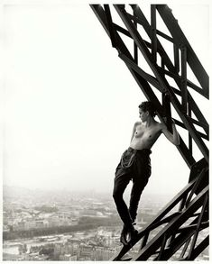 Mathilde on Eiffel Tower, Paris, 1989, © Peter Lindbergh courtesy Studio Peter Lindbergh