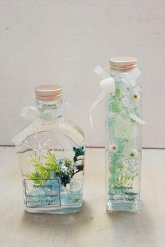 Flower Bottle, Floating Flowers, Purple Aesthetic, Iced Tea, Flower Decorations, Diy And Crafts, Glass Vase, Perfume Bottles, Bloom