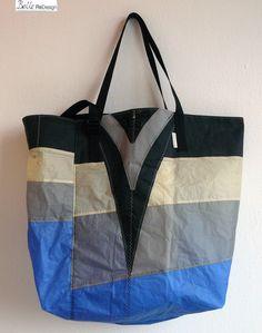 Beachbag made of a kite.