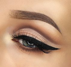 black winged liner ~ we ❤ this! moncheribridals.com