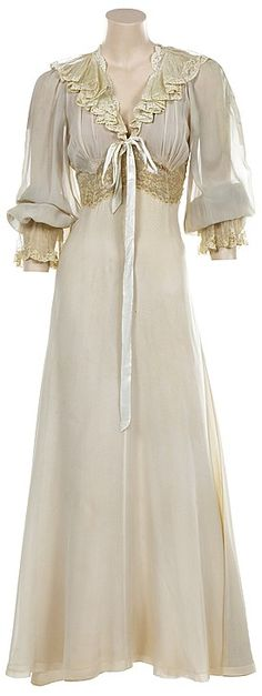 Gladys Cooper night dress from Now Voyager.