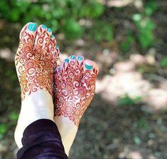 Trendy bridal henna hands and feet mehandi designs Ideas Mehndi Designs Feet, Legs Mehndi Design, Henna Art Designs, Indian Mehndi Designs, Mehndi Designs 2018, Stylish Mehndi Designs, Bridal Henna Designs, Mehndi Design Pictures, Beautiful Mehndi Design