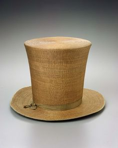 1810-1820, Europe - Man's hat - Woven skeined willow, with silk ribbon, silk plain weave lining