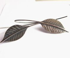 Long Silver Leaf Earrings Sterling Silver Earrings by Mocahete Leaf Jewelry, Jewelry Crafts, Silver Jewelry, Jewelry Ideas, Cartier, Ring Design For Female, Delicate Jewelry, Tiny Flowers, Wire Wrapped Jewelry