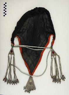 Object:Head covering Place of origin:Saudi Arabia Region, group, style:Asir Date of object:1980's