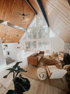 """Newly Renovated """"Oak Tree A-Frame"""" (kid friendly!) - Cabins for Rent in Lake Arrowhead, California, United States A Frame Cabin, A Frame House, Architecture Design, Cabin Interiors, Cozy Cabin, My Dream Home, Decoration, House Plans, New Homes"""
