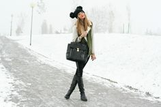 Scent of Obsession - Fashion Blogger daily style, travels and style tips : MOUSE IN THE SNOW