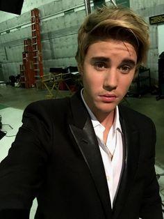 He looks sooooooooo good in a suit, Like I cant <3 <3 <3 <3 <3 #SuitOnFleek #HisHairIsPerfect #ILoveHim