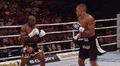 Raymond Daniels two touch spinning back kick KO Karate, Ufc, K1 Kickboxing, Mma Boxing, Boxing Workout, Mma Fighting, Martial Arts Techniques, Martial Arts Workout, Martial Artist