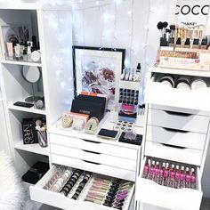 With so many different drawer units and dressing tables out there it can get overwhelming on how to best store your makeup in them. . That's why we have a large variety of storage items available in various sizes to help accommodate your space. . Our VC Dividers are sized to fit in the IKEA Alex 5 and 9 Drawer units BUT you can also fit 2 x medium sized VC Dividers in 1 x IKEA Alex 6 unit drawer as shown here. . Our VC Tray Range can fit in ALL of the ikea Alex, Malm and Micke drawers as…