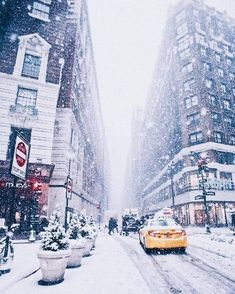 Super Photography Winter Christmas New York Ideas Photography Winter, City Photography, Perspective Photography, Christmas Photography, Nature Photography, Winter Szenen, Winter Time, New York Winter, Winter Travel