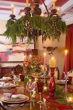 Christmas Decor Dining Room with decorated Chandelier