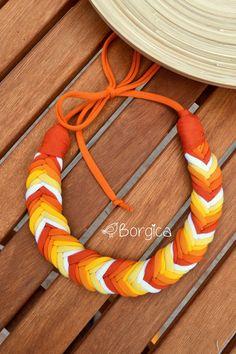 Orange Yellow Ombre Sunset Bib Braided Necklace por Borgica