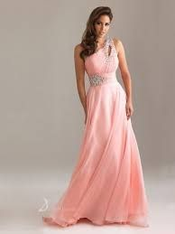 One shoulder pink dress. I like this color...