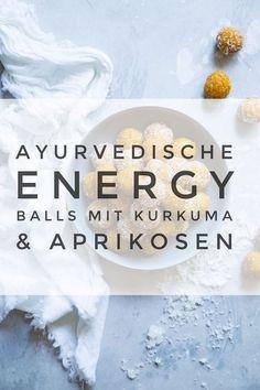 Diese ayurvedischen Energiekugeln sind ein super gesunder Snack. Sie bestehen aus Kurkuma, Aprikosen und Mandeln und sind einfach köstlich. Dieses Rezept kannst du ganz einfach selber machen. #gesundessen #ayurveda