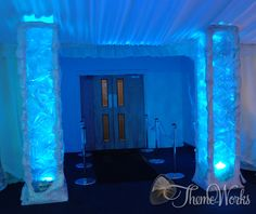 These ice pillars look mesmerizing when they are lit up from within in a blue hue. If you are looking to create an ice palace for your winter wonderland don't leave these out of your prop hire! They are the perfect addition to add that element of Ice!