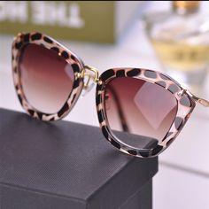 bcae4fa575 Encontrar Más Gafas de Sol Información acerca de 2015 del verano del estilo gafas  de sol mujeres wayfarer diseñador de la marca cat eye glasses ladies ...