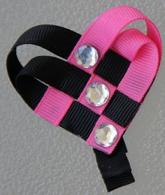 Black & Hot Pink Woven Heart Ribbon Sculpture by GirlyKurlz, - The CORRECT way to do a double woven heart. Ribbon Hair Bows, Diy Hair Bows, Ribbon Headbands, Flower Headbands, Ribbon Flower, Baby Band, Heart Hair, Ribbon Sculpture, Making Hair Bows