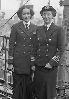 India in Second World War. Chief Officer Margaret L Cooper, Deputy Director of the Women's Royal Indian Naval Service (WRINS), with Second Officer Kalyani Sen, WRINS at Rosyth during their two month study visit to Britain, June 1945 Ww2 Women, Military Women, Military History, Royal Indian, Indian Navy, Jaisalmer, Udaipur, War Photography, Before Us