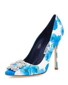 1035769a6c6 Designer Pumps. Pump ShoesShoe BootsMagic ShoesManolo Blahnik HangisiSatin  PumpsBridal Wedding ShoesBergdorf GoodmanSneaker ...