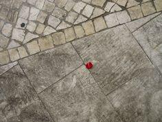 A Calçada Portuguesa,Conjugação de calçada com outro tipo de pavimento. © Flickr *L