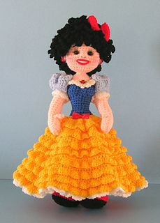 With this pattern you can create a crocheted doll that is similar to Snow White. I'm offering the pattern for free; it has not been published anywhere, and I don't offer guarantees that there are no errors in the pattern. Have fun!