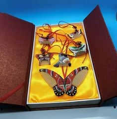 Changzhou Comb Factory #ButterflyCombs 6 Piece Set Wood Handpainted New In Box #ChangzhouCombFactory Wood Butterfly, Changzhou, Largest Butterfly, Red Ribbon, Handmade Jewelry, The Unit, Hand Painted, Box, Snare Drum