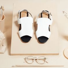 Kareen White by Selittoes. IDR 350.000. Shop at LocalBrand.co.id