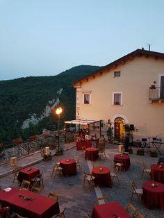 Notte #Romantica in #Abruzzo organizzata da Casa Milà. Cena sotto le stelle . #ilikeitaly #Italytravel