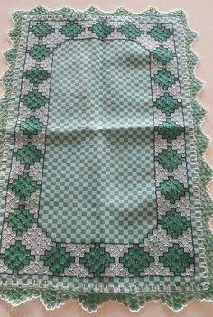 Bordado em tecido xadrez - Toalha de Centro (Detalhes sobre o bordado... Visitar)