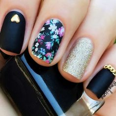 You will love our ideas of trendy black nails! No doubts, that black is a classic color. Black manicure is elegant and modern at the same time. Check out our collection and find new ideas for your manicure! Elegant Nail Designs, New Nail Designs, Black Nail Designs, Halloween Nail Designs, Elegant Nails, Beautiful Nail Designs, Floral Designs, Photomontage, Matte Nail Art