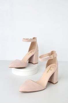 Show off your wild side with the Lulus Ellarose Nude Suede Ankle Strap Heels! Soft, vegan suede shapes an almond toe upper, sturdy heel cup, and adjustable ankle strap with gold buckle. Beige Heels, Nude Shoes, Shoes Heels, Navy Heels, Small Heel Shoes, Nude High Heels, Mid Heel Shoes, Nude Sandals, Strappy Wedges