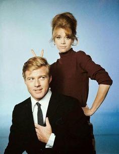 Robert Redford e Jane Fonda in uno scatto pubblicitario per A piedi nudi nel parco (Barefoot in the park), (1967)