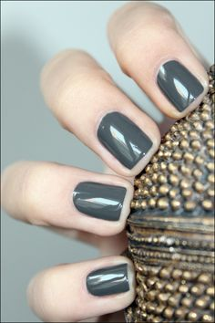Essie Power Clutch, Short, Active Length Nails and a Color that goes with anything xo