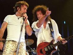 01.04.2005. Palacio de los Deportes. Madrid (Spain). Queen in concert. In the image, Brian May, guit... - Carlos Muina/Cover/Getty Images