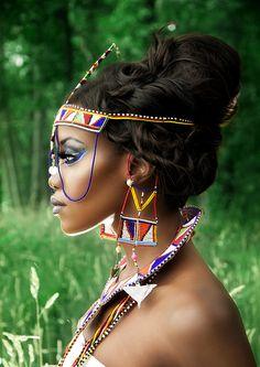 Beutiful african head dress on beutiful women. Black Women Art, Beautiful Black Women, Black Girls, Beautiful People, African Accessories, African Jewelry, African Beauty, African Women, African Style