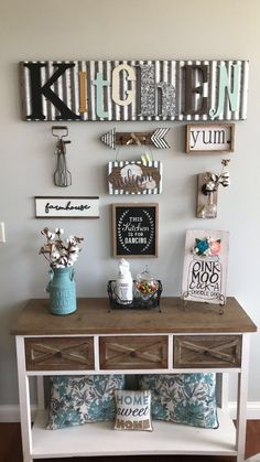 Lovely vintage farmhouse wall decor ideas for a rustic estate to include some ru.Lovely vintage farmhouse wall decor ideas for a rustic estate to include some ru.Home Wall Ideas Farmhouse Side Table, Country Farmhouse Decor, Farmhouse Style Kitchen, Country Kitchen, Vintage Farmhouse, Farmhouse Design, Modern Farmhouse, Farmhouse Kitchens, Country Wall Decor