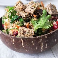 Buddha bowl goodness @amelietahiti 〰 Serve your plant based food in our plant based bowls made from real coconuts, 100% natural inside and out! ~ www.coconutbowls.com #coconutbowls #ecofriendly #veganbowl #veganeats #plantbased #buddhabowl #saladbowl #veganlife