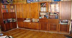 Мода очень переменчива, появляются новые технологии, и мебель стареет очень быстро. К тому же у многих дома завалялся старый сервант или стол, который выбросить на помойку так и чешутся руки. переделка старой мебели идеи Не торопись выбрасывать старую мебель и тратить большие деньги на покупку новой! Редакция «Полезные Советы !» покажет тебе вдохновляющие идеи переделки старой мебели. Реставрация старой мебели От обыденности к высокой моде. Очень стильное решение. переделка старой мебели… Liquor Cabinet, Kitchen Cabinets, Storage, Furniture, Home Decor, Homemade, Youtube, Beauty, Kitchen Cupboards
