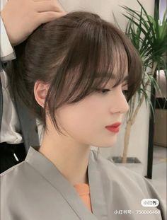 Korean Long Hair, Korean Hair Color, Asian Hair, Medium Hair Cuts, Medium Hair Styles, Curly Hair Styles, Haircuts Straight Hair, Hair Color Streaks, Shot Hair Styles
