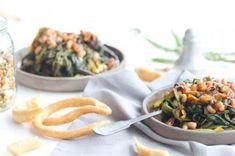 Wild greens with beans ( mavromatika ) ! Greek Recipes, My Recipes, Risotto, Potato Salad, Beans, Veggies, Ethnic Recipes, Food, Greece