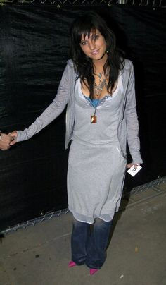 For the record, Massie Block from the Clique books did this, too. | 21 Early '00s Ashlee Simpson Outfits That Now Seem Highly Questionable