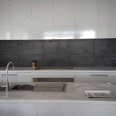 #charcoaltiles#kitchensplashback#neat#tiling#signaturestiles